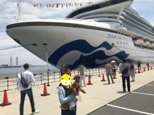豪華客船と犬